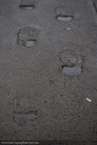 Feet in concrete - 2017